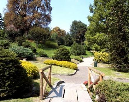 One of the most impressive parks in Turin: 421,000 square meters of green area with a remarkable tree heritage, an interesting bird life, numerous points of interest, bike paths, walks and sports and leisure opportunities