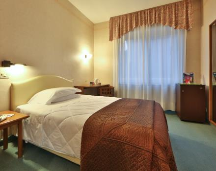 Double bed, Tv, fridge, air conditioning, bathroom, Mediaset Premium and free Wi-fi in the room
